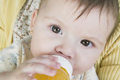 宝宝常喝饮料坏处多